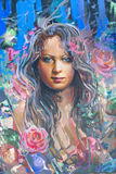 ζωγραφική κοριτσιών σχε&delta Στοκ φωτογραφίες με δικαίωμα ελεύθερης χρήσης