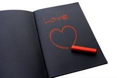 Ζωγραφική μιας κόκκινης καρδιάς στοκ φωτογραφία με δικαίωμα ελεύθερης χρήσης