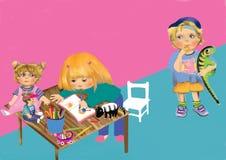 Ζωγραφική μικρών κοριτσιών σε ένα βιβλίο σε έναν πίνακα με τα παιχνίδια Στοκ Φωτογραφίες
