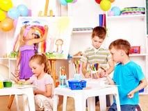 Ζωγραφική παιδιών easel. Στοκ Εικόνα