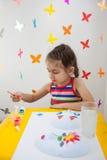 Ζωγραφική παιδιών στο χώρο για παιχνίδη Στοκ Φωτογραφία