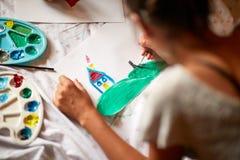 Ζωγραφική στη διαδικασία στοκ εικόνες