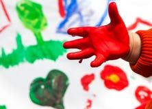 Ζωγραφική χεριών παιδιών Στοκ φωτογραφίες με δικαίωμα ελεύθερης χρήσης
