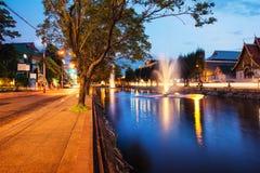 Ζωηρή οδός στη δημοφιλή τουριστική πόλη Chiang Mai, Ταϊλάνδη Στοκ Εικόνες