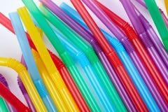 Ζωηρόχρωμα άχυρα κατανάλωσης για το υπόβαθρο χρώματος στοκ εικόνα