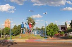 Ζωηρόχρωμα αγάλματα των μπλε και κόκκινων παπαγάλων Campo Grande, Βραζιλία Στοκ φωτογραφίες με δικαίωμα ελεύθερης χρήσης