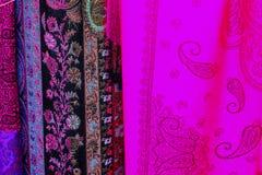 Ζωηρόχρωμα ασιατικά τουρκικά μαντίλι μεταξιού Στοκ φωτογραφία με δικαίωμα ελεύθερης χρήσης
