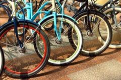 Ζωηρόχρωμα αστεία ποδήλατα Στοκ φωτογραφίες με δικαίωμα ελεύθερης χρήσης