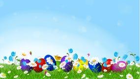 Ζωηρόχρωμα αυγά Πάσχας και λουλούδια άνοιξη λ Στοκ φωτογραφία με δικαίωμα ελεύθερης χρήσης
