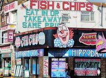 Ζωηρόχρωμα βρετανικά σημάδια προκυμαιών στοκ φωτογραφίες