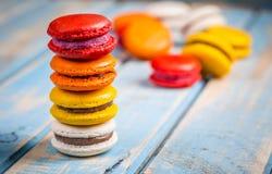 ζωηρόχρωμα γαλλικά macarons Στοκ φωτογραφίες με δικαίωμα ελεύθερης χρήσης