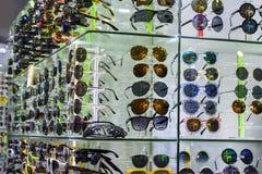 ζωηρόχρωμα γυαλιά Στοκ Φωτογραφίες