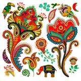 ζωηρόχρωμα διακοσμητικά στοιχεία Paisley, διακοσμητικά λουλούδια, πουλί, ελέφαντας ινδική διακόσμηση Στοκ εικόνες με δικαίωμα ελεύθερης χρήσης