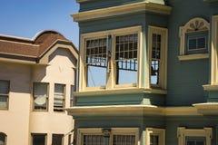 Ζωηρόχρωμα διαμερίσματα στο Σαν Φρανσίσκο, Καλιφόρνια Στοκ Εικόνες