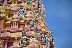 Ζωηρόχρωμα ινδά αγάλματα στο antient ναό Στοκ Φωτογραφία