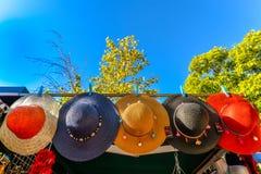 Ζωηρόχρωμα καπέλα στη Σεβίλη - την Ισπανία στοκ φωτογραφίες