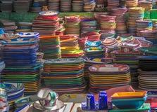 Ζωηρόχρωμα κεραμικά πιάτα Στοκ Εικόνες