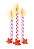 Ζωηρόχρωμα κεριά γενεθλίων με τα αστέρια Στοκ Εικόνες