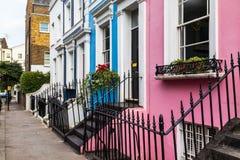 Ζωηρόχρωμα κτήρια στο Νότινγκ Χιλ Λονδίνο Στοκ Φωτογραφία