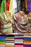 ζωηρόχρωμα μαντίλι αγοράς Στοκ Εικόνα