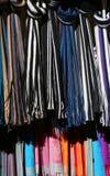 Ζωηρόχρωμα μαντίλι για την πώληση στην αγορά Στοκ φωτογραφία με δικαίωμα ελεύθερης χρήσης