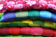 ζωηρόχρωμα μαξιλάρια στοκ εικόνα