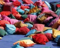 ζωηρόχρωμα μαξιλάρια Στοκ Φωτογραφία