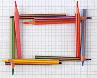 ζωηρόχρωμα μολύβια πλαισί&o Στοκ φωτογραφίες με δικαίωμα ελεύθερης χρήσης