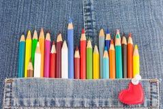 Ζωηρόχρωμα μολύβια στην τσέπη τζιν τζιν Στοκ Εικόνα