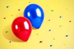 Ζωηρόχρωμα μπαλόνια με το υπόβαθρο κομφετί κενά γυαλιά διακοσμήσεων ντεκόρ σαμπάνιας πέρα από το μετάξι δύο συμβαλλόμενων μερών λ στοκ εικόνα με δικαίωμα ελεύθερης χρήσης