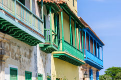 Ζωηρόχρωμα μπαλκόνια, Λα Habana Vieja, Κούβα Στοκ φωτογραφία με δικαίωμα ελεύθερης χρήσης