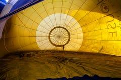 Ζωηρόχρωμα μπαλόνια ζεστού αέρα που πετούν, στις 6 Ιανουαρίου 2015 Mondovì Ιταλία στοκ φωτογραφίες