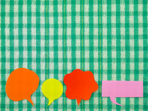 Ζωηρόχρωμα μπαλόνια (πράσινο υπόβαθρο υφάσματος) Στοκ Εικόνες