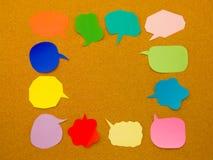 Ζωηρόχρωμα μπαλόνια (υπόβαθρο πινάκων του Κορκ) στοκ φωτογραφία