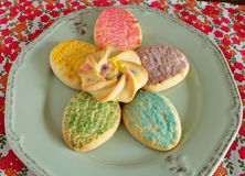 Ζωηρόχρωμα μπισκότα ζάχαρης Πάσχας Στοκ Εικόνες