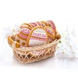 Ζωηρόχρωμα μπισκότα Πάσχας με μορφή του αυγού Στοκ εικόνα με δικαίωμα ελεύθερης χρήσης
