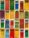 ζωηρόχρωμα μπροστινά σπίτια πορτών στοκ φωτογραφία με δικαίωμα ελεύθερης χρήσης