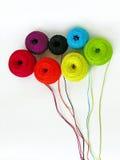 ζωηρόχρωμα νήματα ανθοδε&sigm Στοκ εικόνα με δικαίωμα ελεύθερης χρήσης