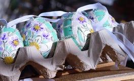 ζωηρόχρωμα λουλούδια τεχνών εποχής εορτασμού διακοσμήσεων διακοσμήσεων διακοπών άνοιξης eastereggs Στοκ φωτογραφία με δικαίωμα ελεύθερης χρήσης