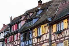 Ζωηρόχρωμα παραδοσιακά παλαιά γαλλικά σπίτια σε λεπτοκαμωμένο Venise, Colmar, ribeauville, Γαλλία στοκ εικόνες