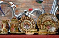 Ζωηρόχρωμα πιάτα και ποδήλατα Στοκ Εικόνα