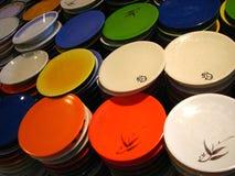 ζωηρόχρωμα πιάτα Στοκ εικόνα με δικαίωμα ελεύθερης χρήσης