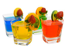 ζωηρόχρωμα ποτά τέσσερα μι&kapp Στοκ φωτογραφία με δικαίωμα ελεύθερης χρήσης
