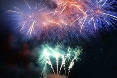 Ζωηρόχρωμα πυροτεχνήματα διακοπών Στοκ Εικόνες