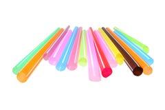 Ζωηρόχρωμα πλαστικά άχυρα που χρησιμοποιούνται για την κατανάλωση των μη αλκοολούχων ποτών Στοκ Εικόνα