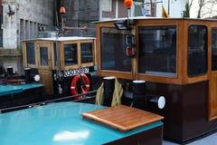 Ζωηρόχρωμα πλωτά σπίτια στην Ολλανδία Στοκ εικόνα με δικαίωμα ελεύθερης χρήσης