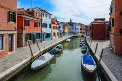 Ζωηρόχρωμα σπίτια, νησί Burano, Βενετία, Ιταλία Στοκ φωτογραφίες με δικαίωμα ελεύθερης χρήσης