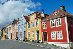 ζωηρόχρωμα σπίτια Νορβηγία & Στοκ φωτογραφίες με δικαίωμα ελεύθερης χρήσης