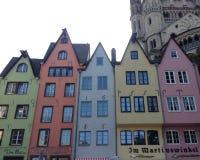 Ζωηρόχρωμα σπίτια στην Κολωνία, Γερμανία Στοκ φωτογραφία με δικαίωμα ελεύθερης χρήσης