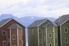Ζωηρόχρωμα σπίτια στον Όμηρο Spit Στοκ εικόνα με δικαίωμα ελεύθερης χρήσης